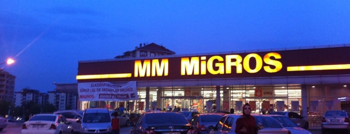 Migros is one of สถานที่ที่ Hilal ถูกใจ.