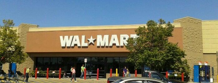 Walmart Supercenter is one of Orte, die Fatma gefallen.