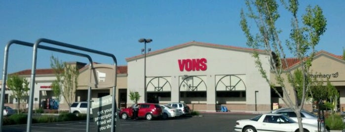 VONS is one of Lieux qui ont plu à Razz.