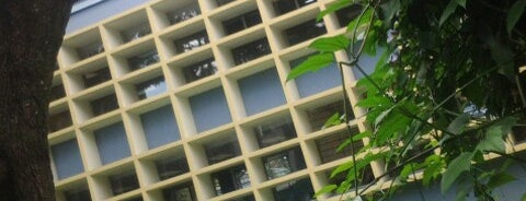 Facultad de Ingeniería is one of UCR.