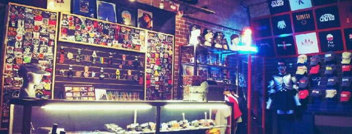Rock Shop is one of Gdl nocturna.