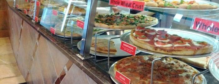 Pasta Mista is one of สถานที่ที่ Natalie ถูกใจ.