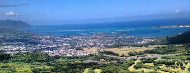 Nuʻuanu Pali Lookout is one of Onolicious Oahu.