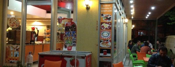 Vardaroğulları Cafe ve Pide Salonu is one of Tempat yang Disukai Deniz.
