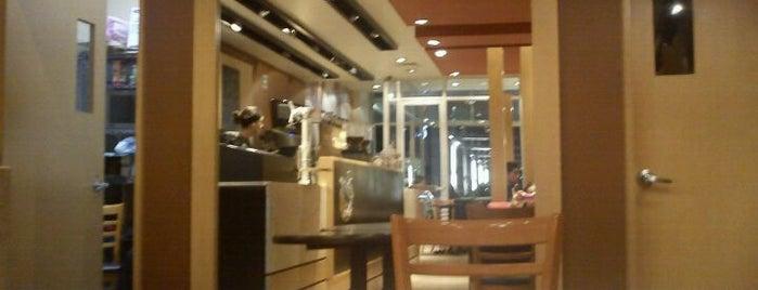 Gloria Jean's Coffees is one of สถานที่ที่บันทึกไว้ของ Roberto.