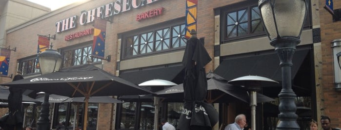 Cheesecake Factory is one of Posti che sono piaciuti a Tony.