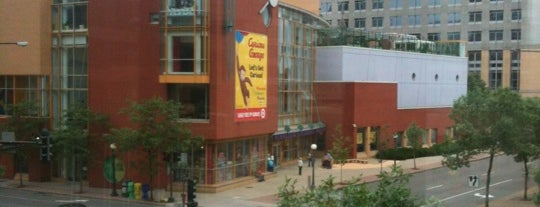 Minnesota Children's Museum is one of Tempat yang Disimpan Stuart.