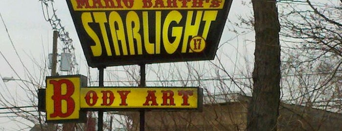 Mario Barth's Starlight Tattoo is one of Stephanie'nin Beğendiği Mekanlar.