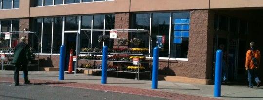 Walmart Supercenter is one of Tempat yang Disukai honey 🌾.