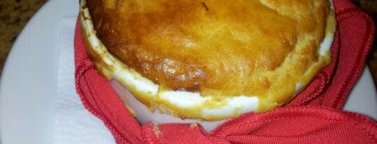 Empadaria da Vovó is one of Guia Folha: p/ comer empada, esfirra ou coxinha.