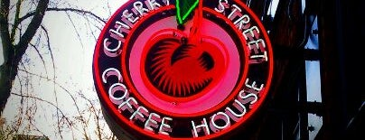 Cherry Street Coffee House is one of Lugares favoritos de kristy.