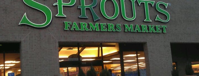 Sprouts Farmers Market is one of Locais salvos de Sharon.