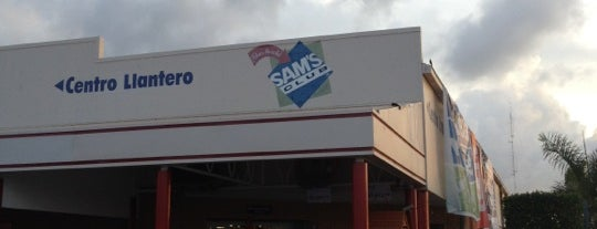 Sam's Club is one of Locais curtidos por Jessica.