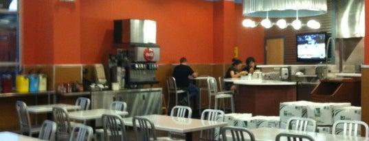 Great Plains Burger Company is one of Tempat yang Disukai Pete.