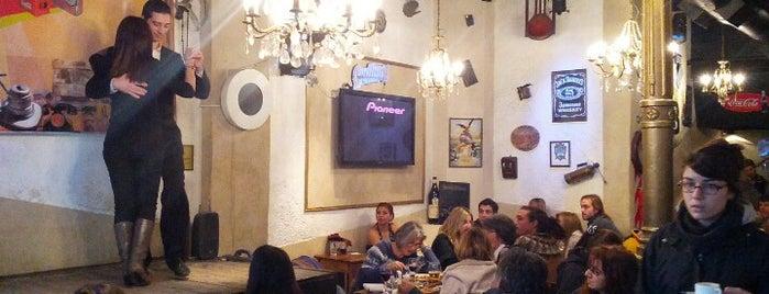 Café del Árbol is one of Bares de Buenos Aires.
