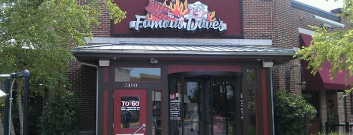 Famous Dave's is one of Locais curtidos por Jimmy.