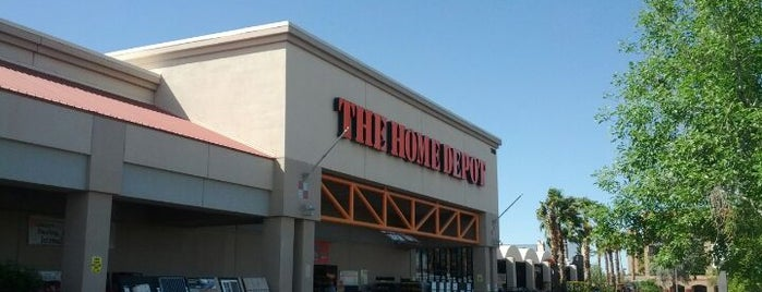 The Home Depot is one of Locais curtidos por Susan.