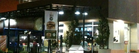 McDonald's is one of Orte, die Maa gefallen.