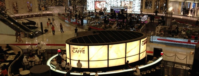Armani Dubai Caffé is one of Locais curtidos por Soly.