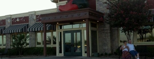 Chili's Grill & Bar is one of Lugares favoritos de Christoph.