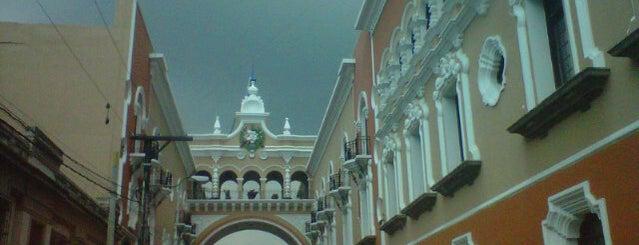 Edificio de Correos is one of สถานที่ที่ Alan ถูกใจ.