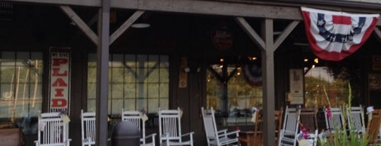 Cracker Barrel Old Country Store is one of Tempat yang Disukai Brian.