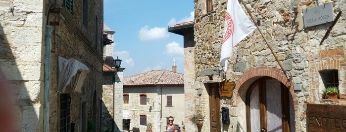 Castellina in Chianti is one of Toscana on the road.