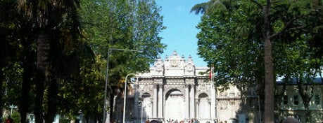 Dolmabahçe Sarayı is one of istanbul gezi listesi.