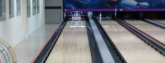 Bowling Alley @ The American Club is one of Singapore: business while travelling part 3.