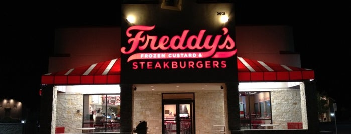 Freddy's Frozen Custard & Steakburgers is one of Mary: сохраненные места.