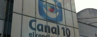 Canal 10 is one of Locais curtidos por Ana.