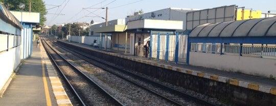 Süreyya Plajı Tren İstasyonu is one of Haydarpaşa - Pendik Banliyö / Suburban.