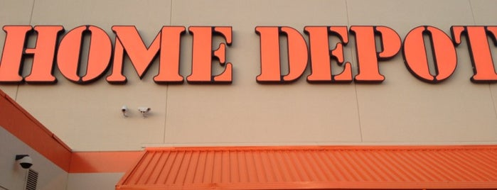 The Home Depot is one of Lieux qui ont plu à Dustin.