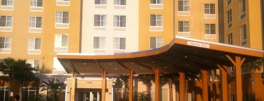 Fairfield Inn & Suites by Marriott Orlando at SeaWorld is one of Tempat yang Disukai Rodrigo.
