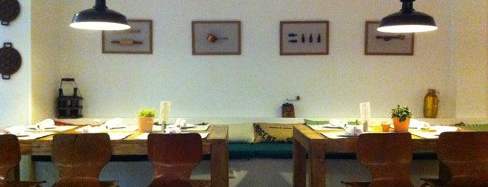 Santo Restaurante & Deli is one of ¡Mmmmmadrid!.