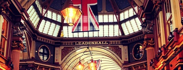 Leadenhall Market is one of Harry Potter sights.