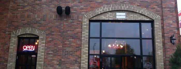 La pizzería napolitana Famoso es uno de los 15 mejores lugares para jamón serrano en Edmonton.