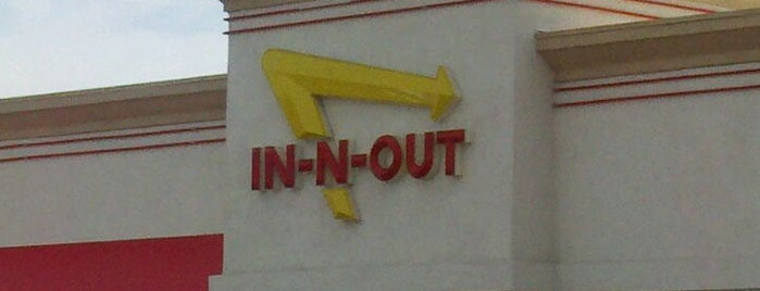 In-N-Out Burger is one of Posti che sono piaciuti a Armando.