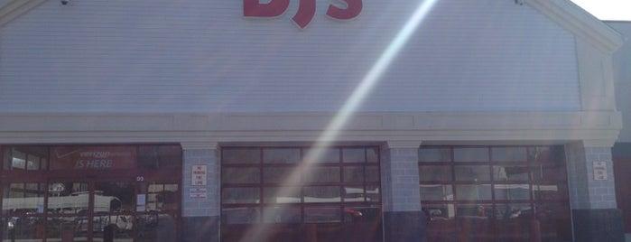 BJ's Wholesale Club is one of สถานที่ที่บันทึกไว้ของ Gayla.