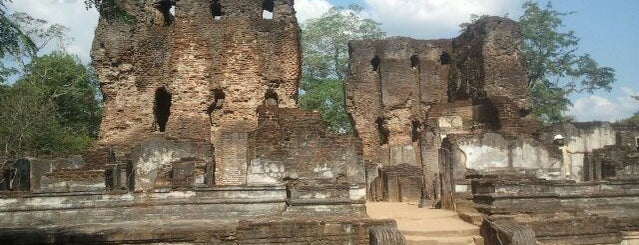 Polonnaruwa is one of Lieux qui ont plu à Zsolt.