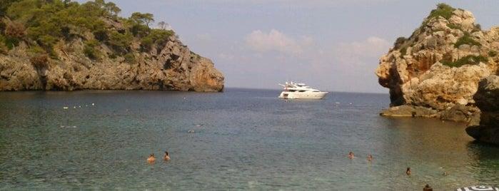 Cala Deià is one of Playas de Mallorca.