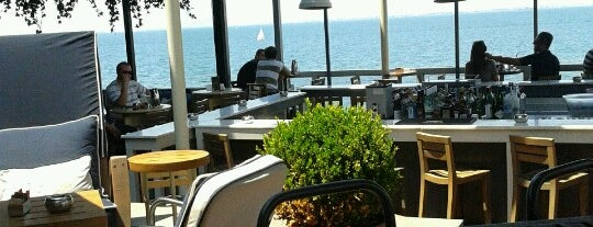 Les Zazous is one of Must-visit Cafés in Thessaloniki.