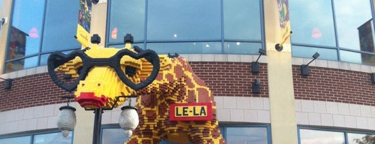 LEGOLAND Discovery Center is one of Tempat yang Disukai Dan.