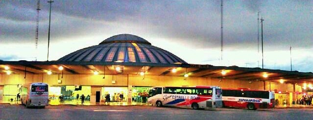 Terminal de Autobuses de Pasajeros de Oriente (TAPO) is one of สถานที่ที่ Dann ถูกใจ.