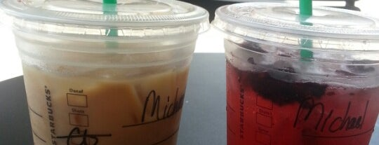 Starbucks is one of Locais curtidos por Macey.