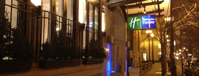 Hotel Cass - Holiday Inn Express is one of chi.