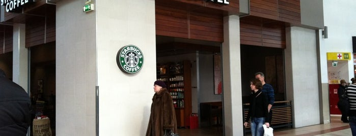 Starbucks is one of Pavel'in Beğendiği Mekanlar.