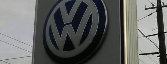 Автоцентр-Украина Volkswagen is one of Locais curtidos por Сергей.