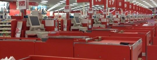 Target is one of สถานที่ที่ Victoria ถูกใจ.
