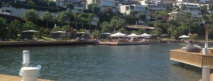 Park Farilya Residence Beach is one of Ozan'ın Beğendiği Mekanlar.